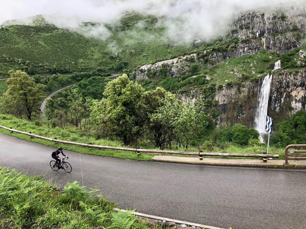 Vall de Ason Cantabria Cycling