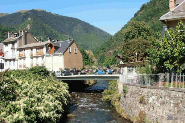 Food-and-Accommodation-Tour de France, Pyrenees-Cycling-Tours