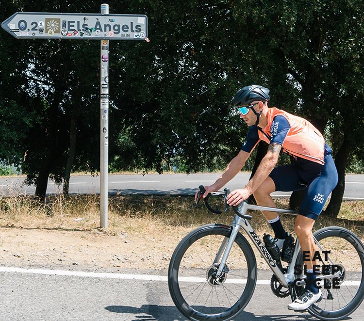 Eat-Sleep-Cycle-Hub-Cafe-Cyclist-Guide-Els-Angels