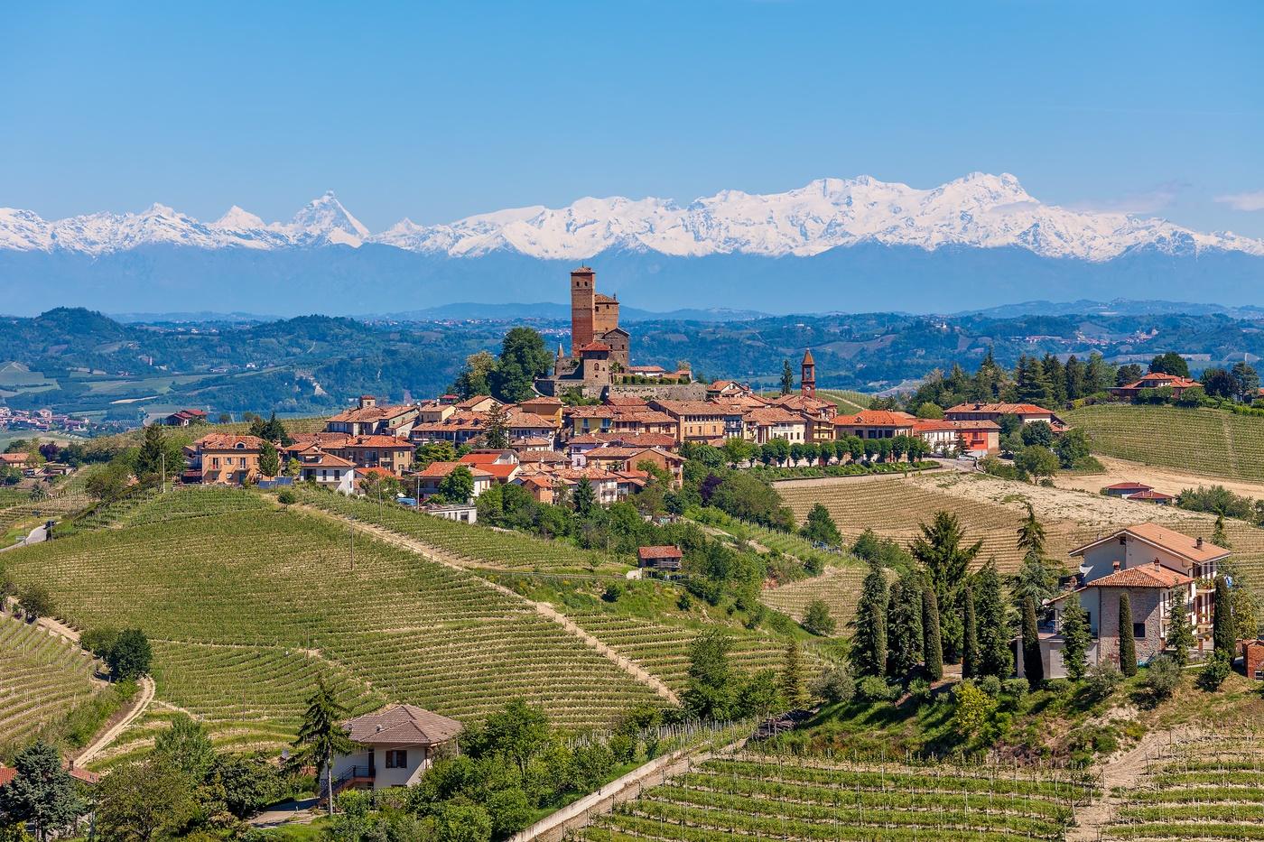 Barolo-Piemonte-Cycling-Wine-Alps