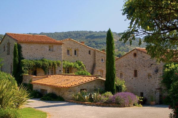 Hotel-Le-Mas-Trilles-Ceret-Masia-Accommodation