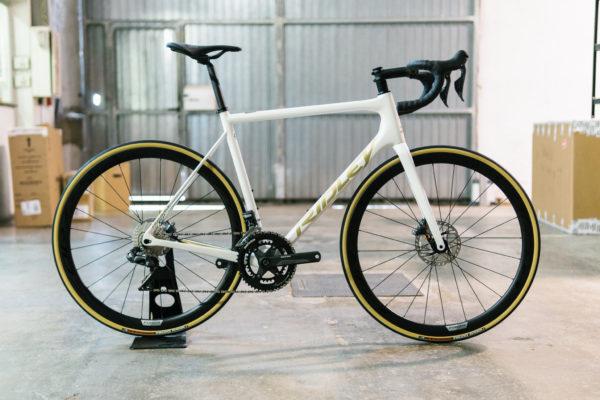 Ridley-Helium-SLX-Ultegra-Di2-White-Gold-Eat-Sleep-Cycle-Bike-Hire