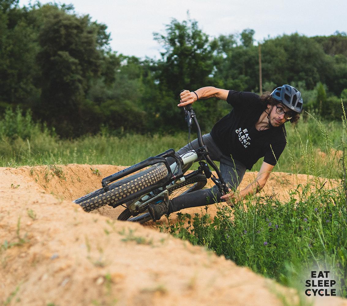 Eat-Sleep-Cycle-Dirt-Jumping